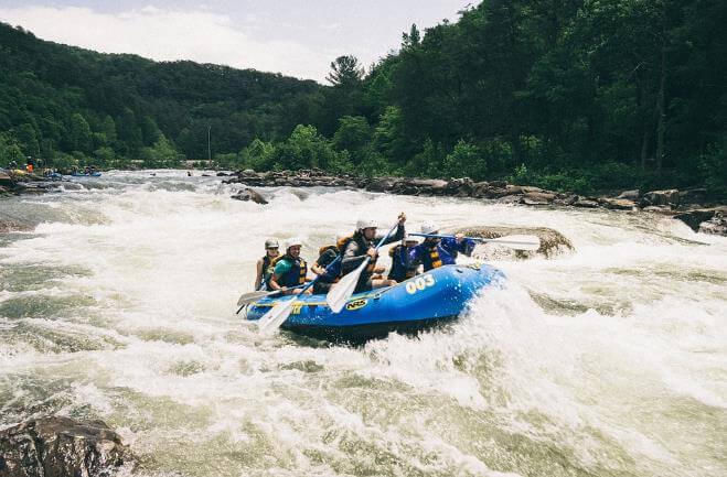 Rafting - aventura sobre as águas